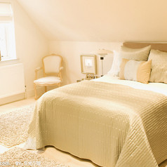 卧室-810a19d8bc3eb1354ac5b7f8a61ea8d3fd1f4476