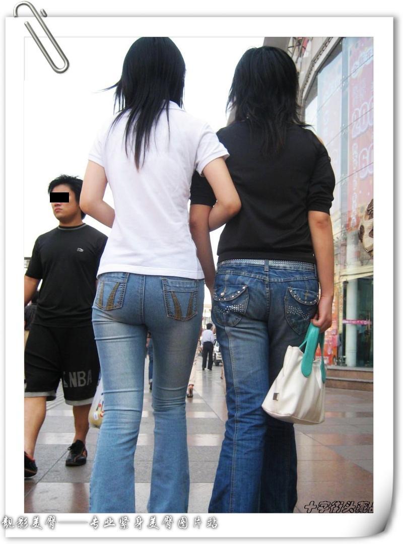 街拍牛仔裤紧身裤图片;