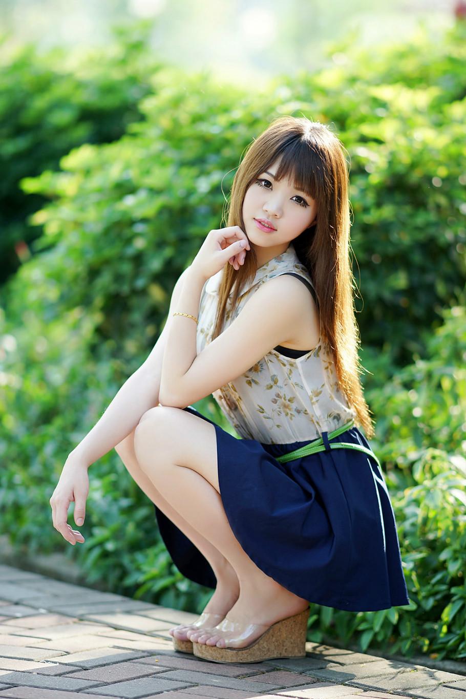 17岁清纯美女 打靖国神社