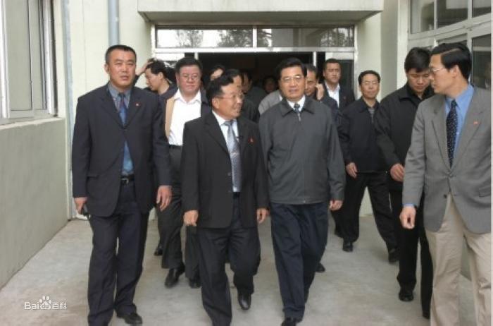 胡锦涛总书记视察长春大成集团