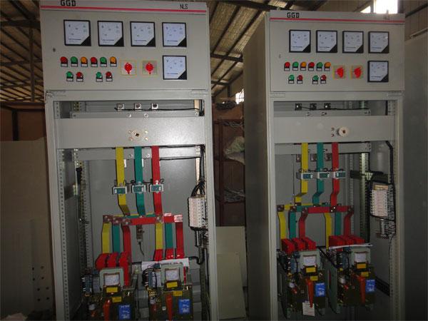 ggd型交流低压配电柜适用于发电厂,变电所,厂矿企业等电力用户的交流图片
