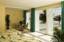 热带岩礁海滩酒店