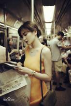 施诗 地铁写真
