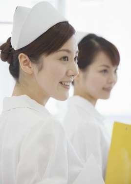关于门诊输液室护士和患者沟通的技巧的学士学位论文范文