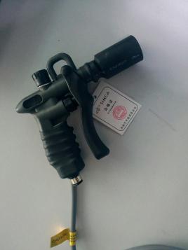 主要特征 采用led显示方式,利用单键数字开关调整频率及duty rate.图片
