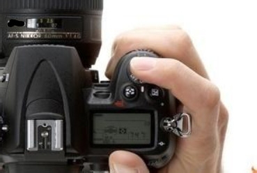 数码单反相机拍照如何使用曝光补偿