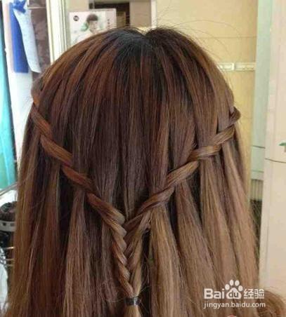 办公室美妹怎么扎好看的头发发型,散发扎法图片
