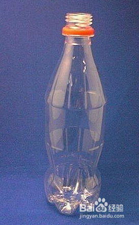 用可乐瓶,矿泉水瓶等塑料瓶做花瓶图片