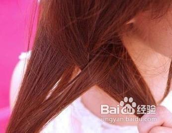 3  步骤三:然后以同用的方法将其他的头发全部夹烫好,如此是为了将图片