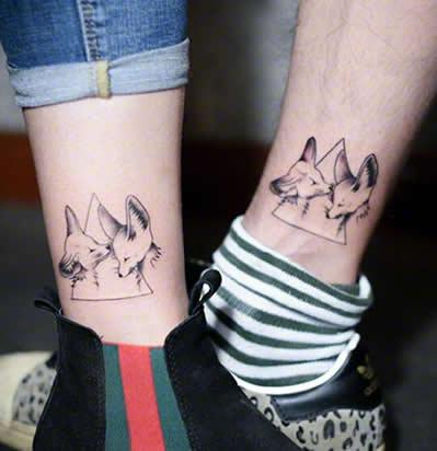 脚踝纹身图片情侣简单 一分钟想你六十秒图片图片