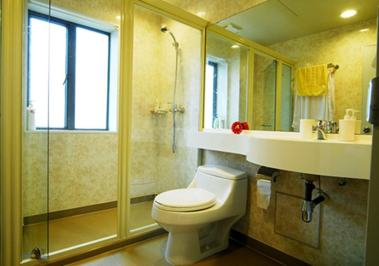 中户型82平方米二室二厅中式风格房屋卫生间座便器洗漱台淋浴房装修图片