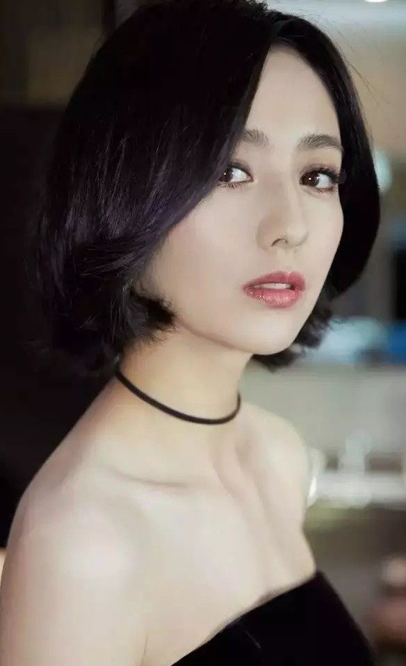 佟丽娅赵丽颖齐齐剪短发,你要不要玩一下?图片图片