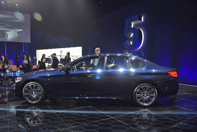 实拍车展宝马5系2018款530li xdrive m运动型图片