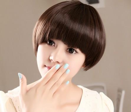 女生什么短发发型好看 时尚蘑菇头造型最拉风图片