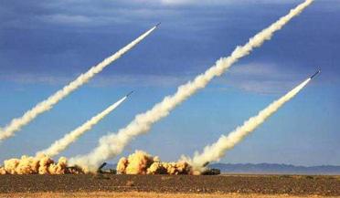 解放军火箭弹罕见发射镜头曝光