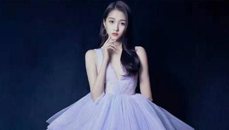 关晓彤紫色蓬蓬裙如初恋