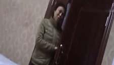 """澡堂安摄像头吓坏顾客 员工称""""为防盗"""""""