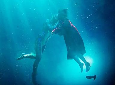 周深《水形物语》唱出了鱼人与少女跨种族爱恋