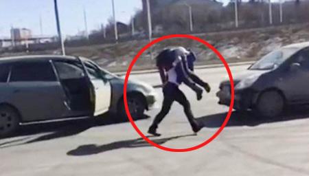 俄罗斯彪悍女司机被加塞