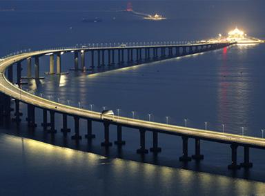 港珠澳大桥明日通车