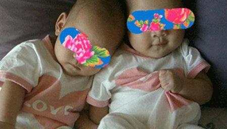 曝谢娜双胞胎女儿全身照