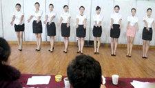 实拍东航空姐上海招聘现场 美女如云
