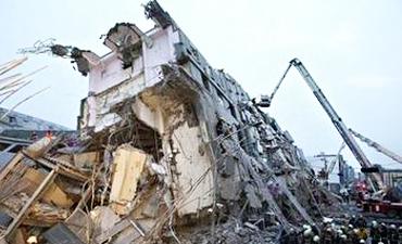 台湾地震坍塌大楼建筑商被拘提