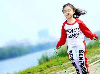 吉林4岁女孩跳绳连夺7冠