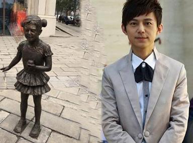 何炅自曝再与雕塑撞脸