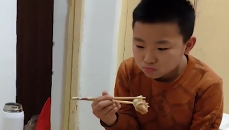 10岁男孩为父捐髓