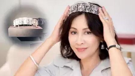 刘嘉玲数亿皇冠故宫展出