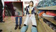 女孩脚长40厘米 自制鞋子用轮胎做底