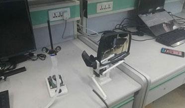 长春一高校团队发明眼珠控制雨刷装置
