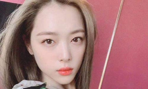 韩媒确认崔雪莉于公寓中上吊死亡 经纪人报警,且曝光其留有遗书