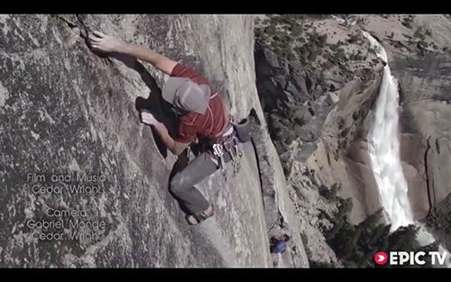 高危挑战:徒手攀岩 探索未知地。