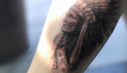 贝克汉姆送儿子的成人礼竟是:手臂纹的印第安人图腾!