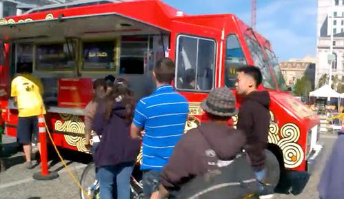 中式包子餐车火爆美国!红烧肉馅儿排名第一!