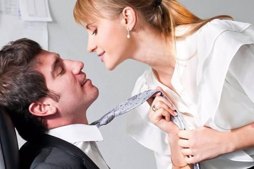 夫妻间不够热情?你可以这么做!网友:我用一个吻,稳住了老公!