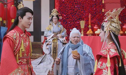 《双世宠妃2》第30集:墨连城曲小檀举行跨世婚礼