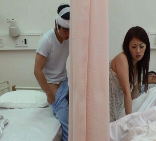日本成人电影整部在线观看_日本电影,用布帘挡住女主角头,后面插入.这种类型的电影名称