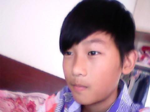 13岁帅哥照片 13岁以下的帅哥 给我一张13岁帅哥照片 13 15岁帅哥照片