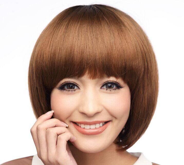 脸大的人可以编什么样的发型图片