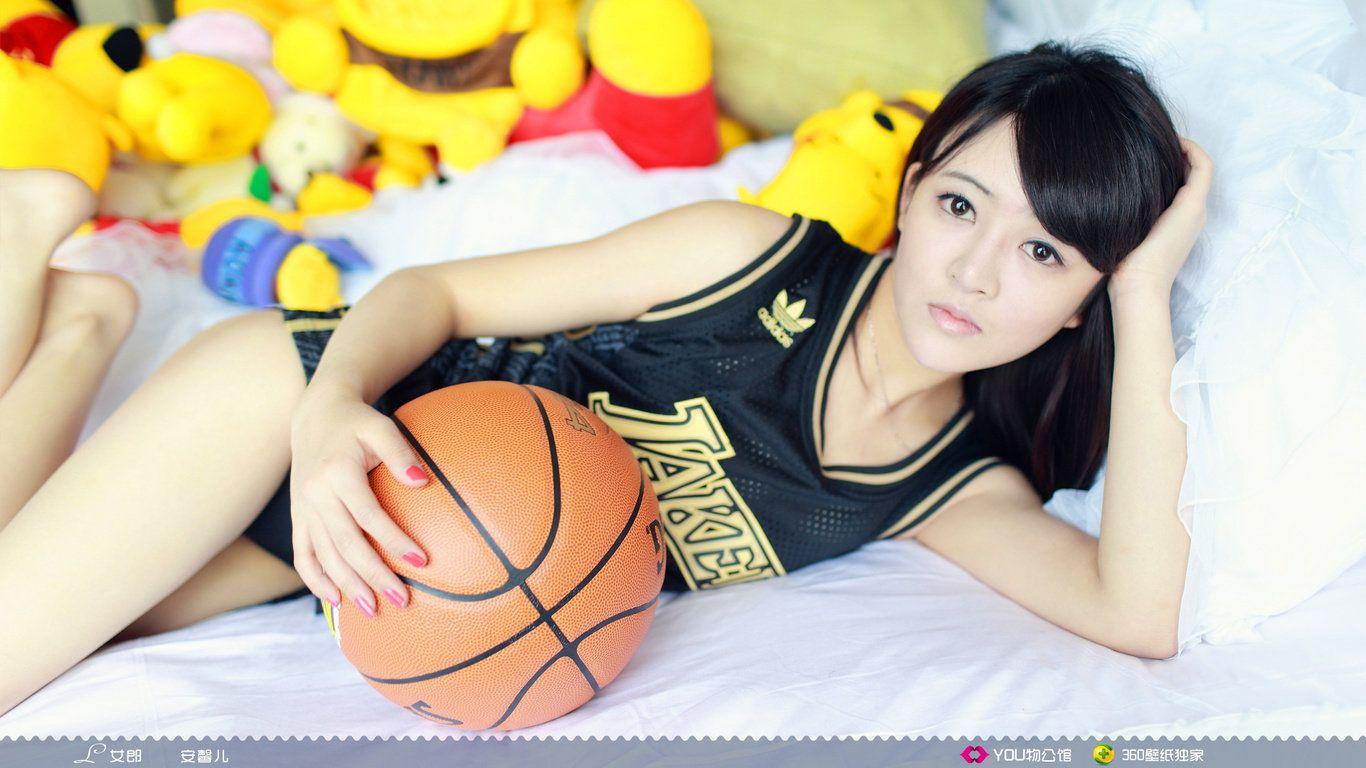 篮球美女壁纸湖人壁纸穿湖人球衣的美女篮球宝贝电脑