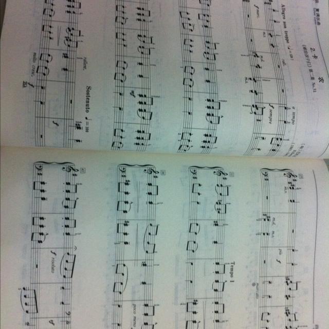 找一首节奏明快的钢琴曲图片