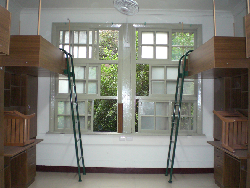 台湾大学的宿舍床是怎样的图片