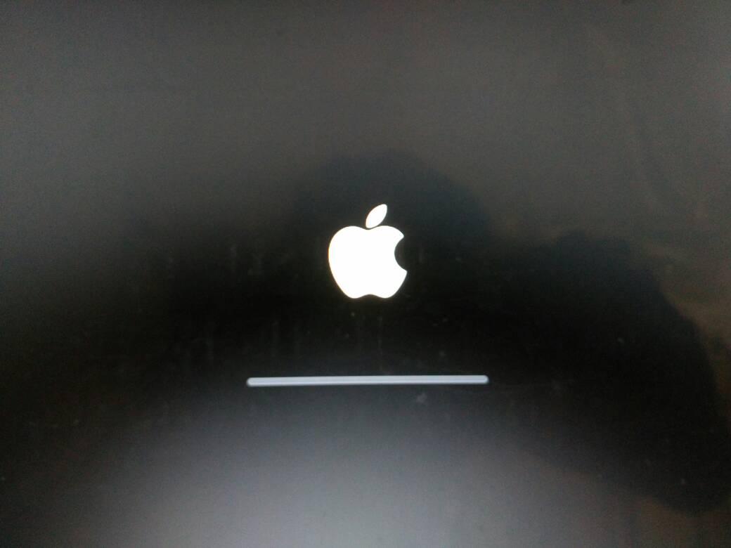 黑苹果安装后重启卡苹果logo图片