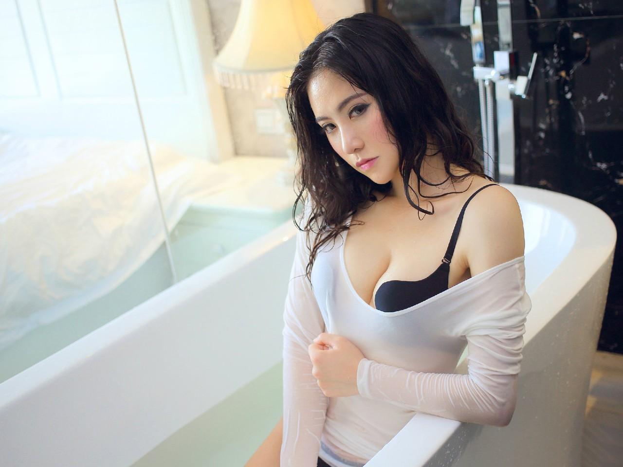 这位美女叫什么名字