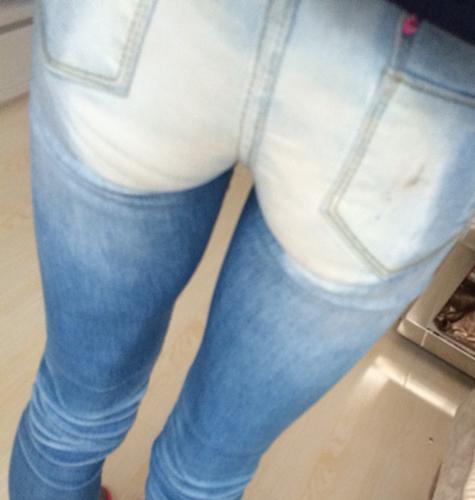 男孩穿紧身牛仔裤好看吗女生来回答!有图片