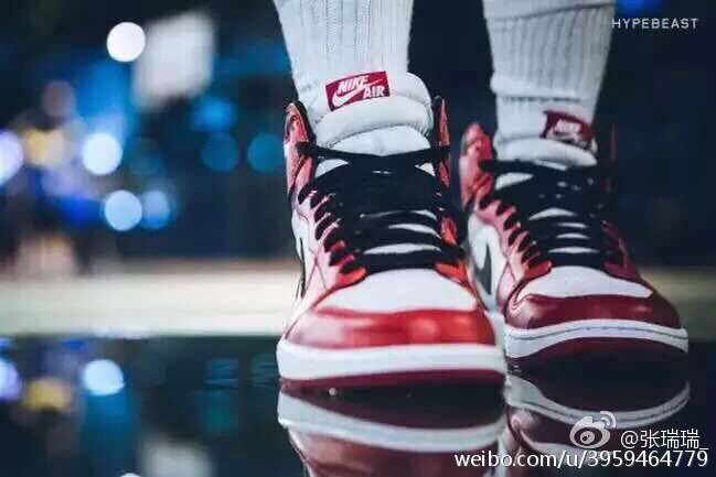 aj1是系鞋带好看还是不系鞋带好看?不系的话,鞋带怎么图片