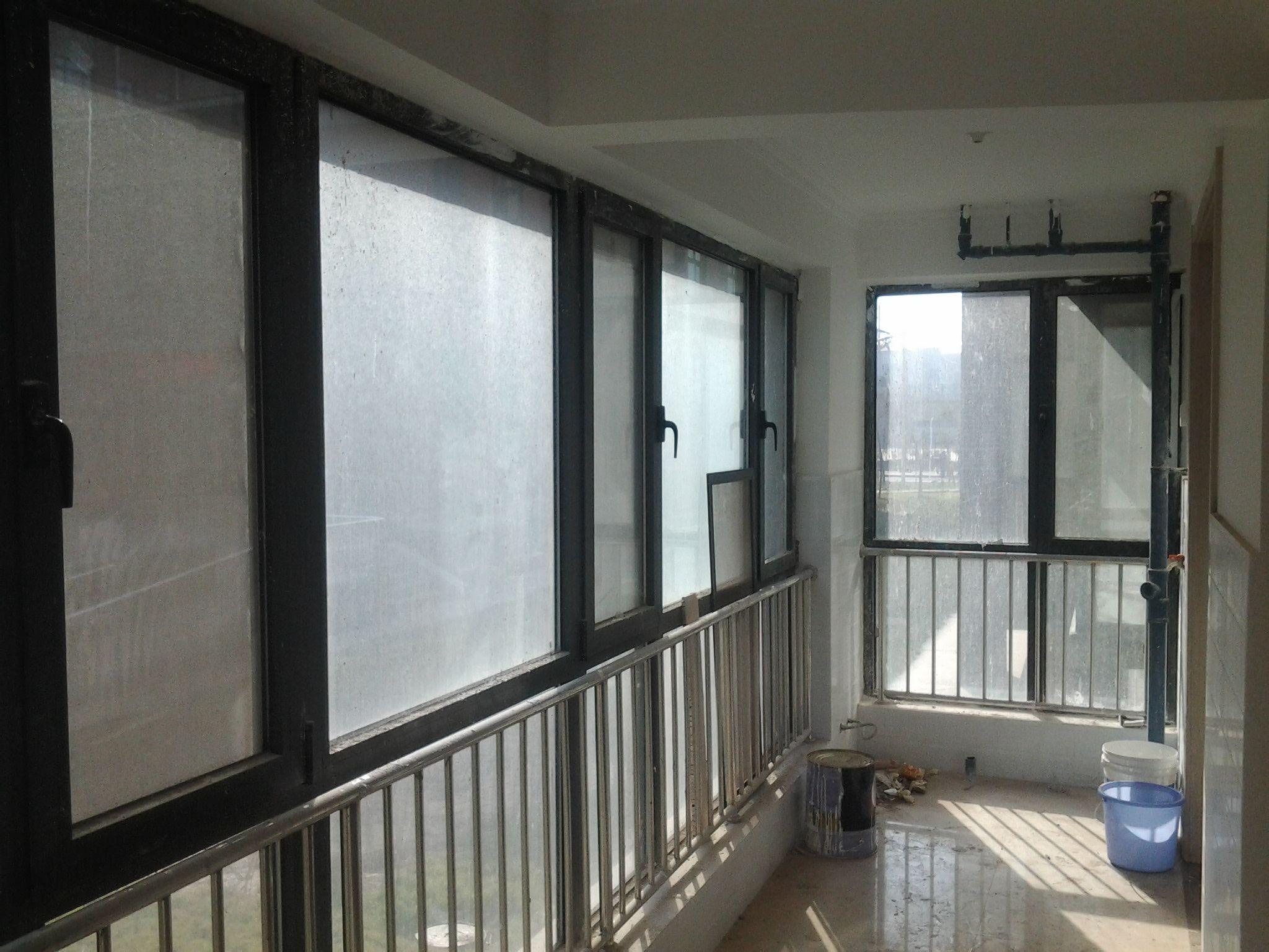阳台连客厅窗帘什么样式好